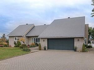 13895351 - Maison à étages à vendre