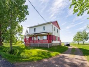 23561820 - Maison à étages à vendre