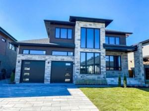 28541125 - Maison à étages à vendre