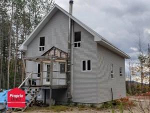 17080201 - Maison à étages à vendre