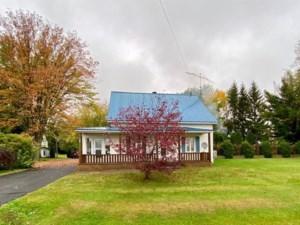 21088161 - Maison à étages à vendre