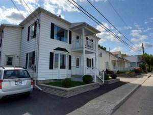 16200407 - Maison à étages à vendre