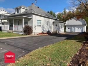 28648646 - Maison à étages à vendre