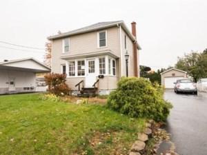 22556736 - Maison à étages à vendre