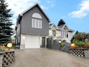 18282799 - Maison à étages à vendre