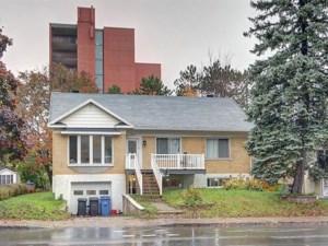 25400290 - Maison à étages à vendre