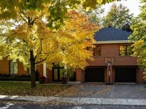 20728763 - Maison à étages à vendre