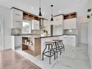 15836537 - Maison à étages à vendre