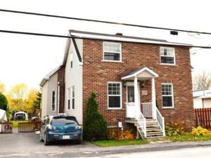 15719373 - Maison à étages à vendre