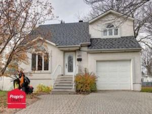 16314087 - Maison à étages à vendre