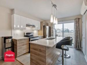 22923251 - Maison à étages à vendre