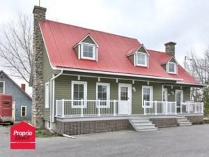 13852199 - Maison à étages à vendre