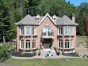 20910363 - Maison à étages à vendre