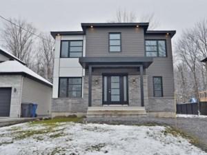 27414418 - Maison à étages à vendre