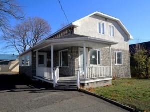 24523130 - Maison à 1 étage et demi à vendre