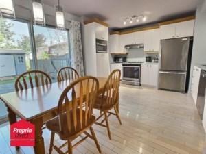 18708226 - Maison à étages à vendre
