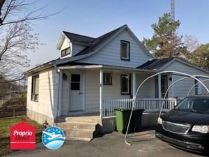 25985689 - Maison à étages à vendre