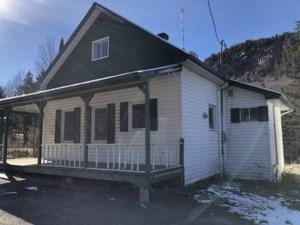 19494083 - Maison à étages à vendre