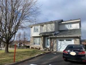 18637927 - Maison à étages à vendre