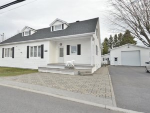 27141257 - Maison à étages à vendre