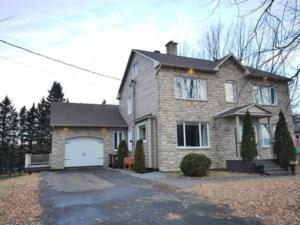 11567329 - Maison à étages à vendre