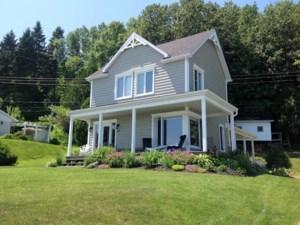 28560731 - Maison à étages à vendre