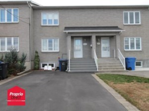 12591258 - Maison à étages à vendre