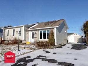 28252341 - Maison à étages à vendre