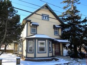 22892174 - Maison à étages à vendre