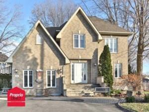 22296923 - Maison à étages à vendre