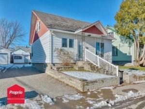 25092588 - Maison à étages à vendre