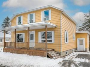 17645448 - Maison à étages à vendre