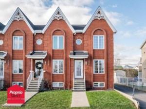 10016215 - Maison à étages à vendre