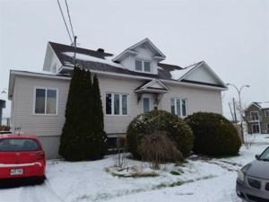 11590958 - Maison à étages à vendre