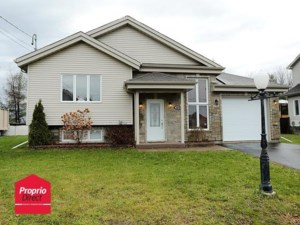 9692598 - Maison à étages à vendre