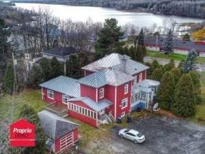 18802309 - Maison à étages à vendre