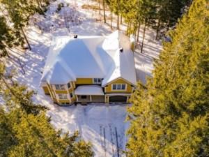 28066380 - Maison à étages à vendre