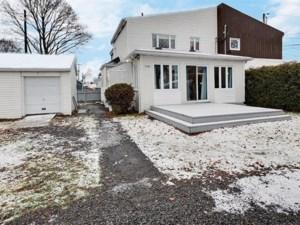 27141358 - Maison à étages à vendre