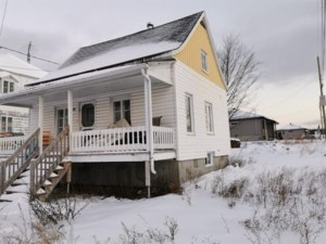 18185864 - Maison à étages à vendre