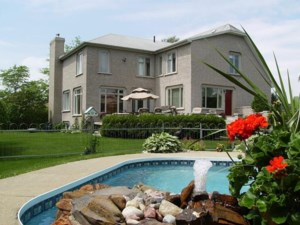 17984992 - Maison à étages à vendre