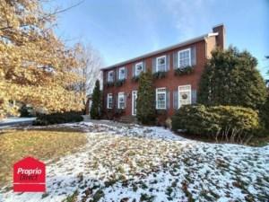 9872217 - Maison à étages à vendre