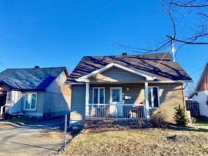 24113135 - Maison à 1 étage et demi à vendre