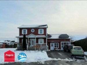 15780827 - Maison à étages à vendre