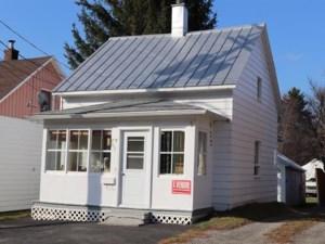 25212156 - Maison à étages à vendre