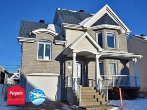 20500603 - Maison à étages à vendre