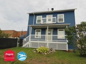28415509 - Maison à étages à vendre