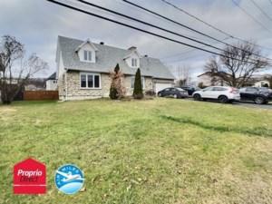 16354353 - Maison à étages à vendre