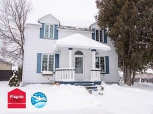 28049268 - Maison à étages à vendre