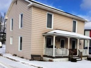 28953236 - Maison à étages à vendre