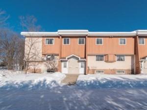 11198010 - Maison à étages à vendre